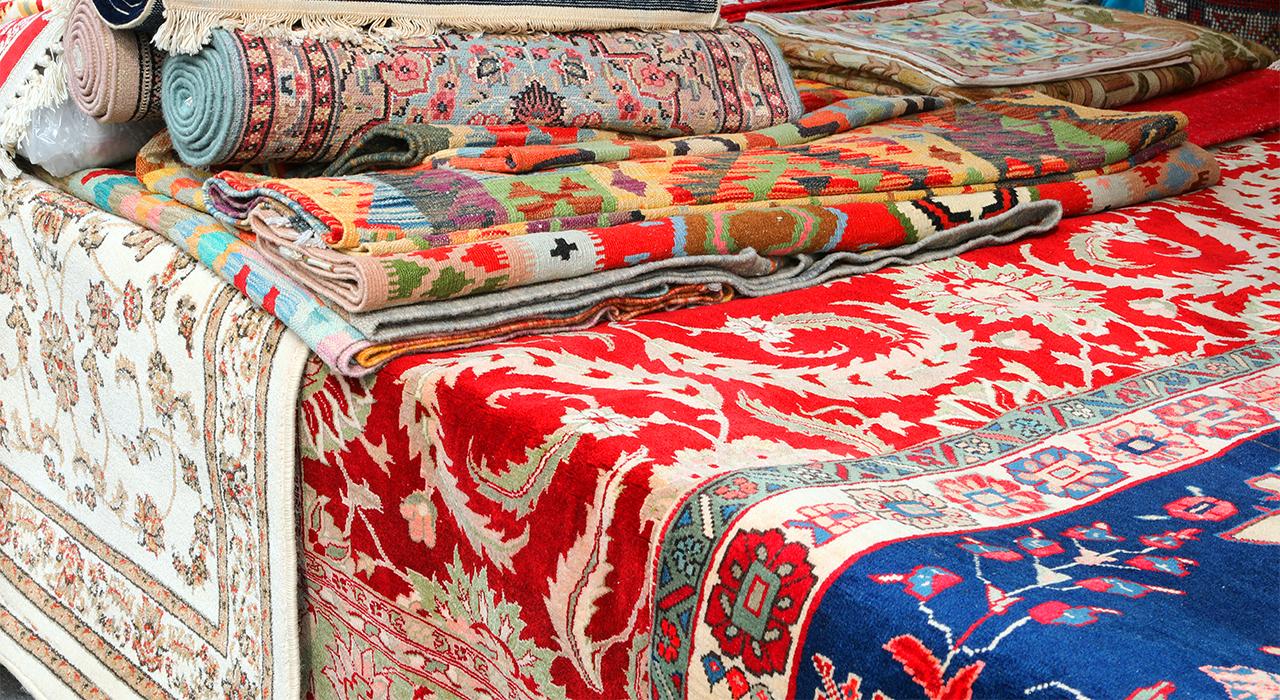 タギーペルシア絨毯