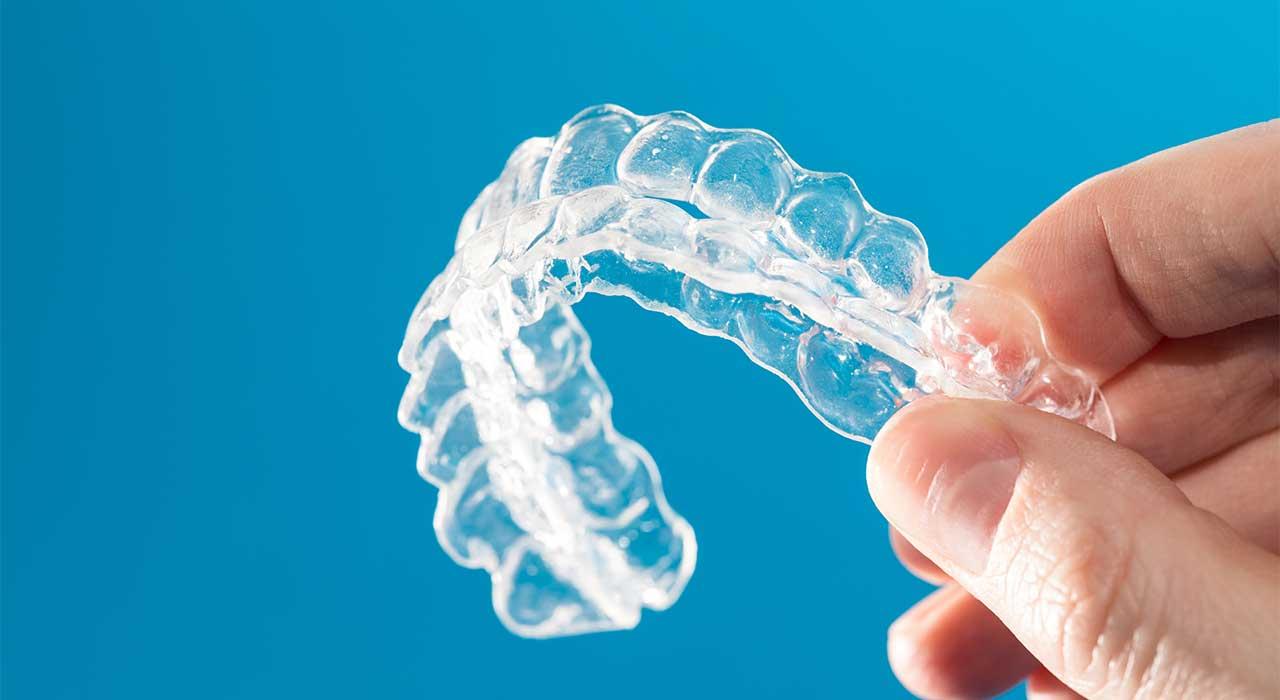 表参道AK歯科・矯正歯科|表参道 マウスピース矯正 セラミック矯正 ダイレクトボンディング